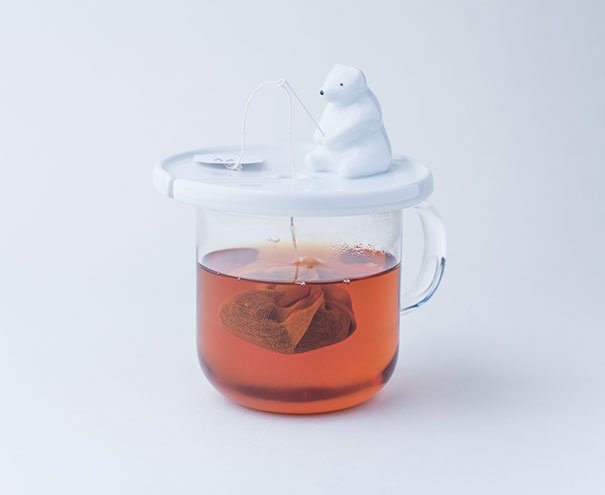 One of the cute tea infusers I've spotted is this polar bear fishing some tea.