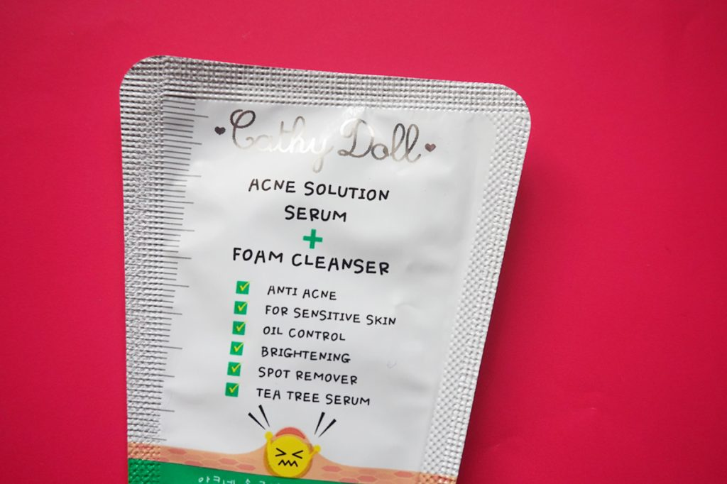 The Cathy Doll Acne Solution Cleanser comes in a sachet you can easily try out.